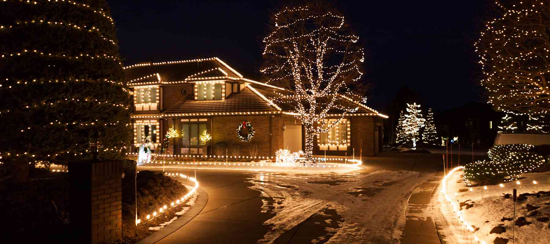 Advantages Associated with Professional Christmas Light Installation Denver