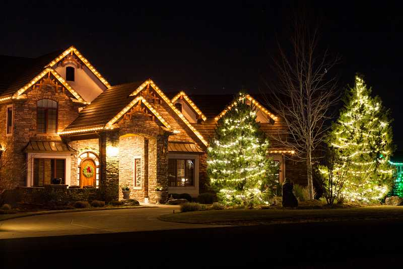 christmas-light-installation-broomfield