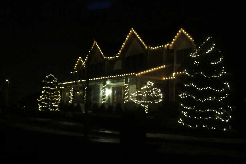 christmas-light-installers-denver