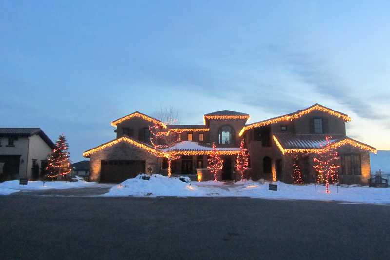 christmas-light-installers-lakewood